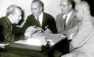 D.Helder Câmara, Aloísio Chaves, Oduvaldo Vianna e Provenzzano. TV Tupi, 1956. Fotógrafo não identificado. Cedoc-Funarte